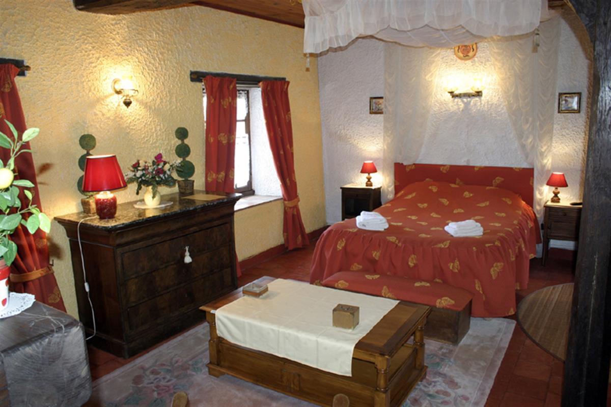 chambres d 39 h tes gite et chambres d 39 h tes en touraine pr s de chinon et d 39 azay le rideau. Black Bedroom Furniture Sets. Home Design Ideas