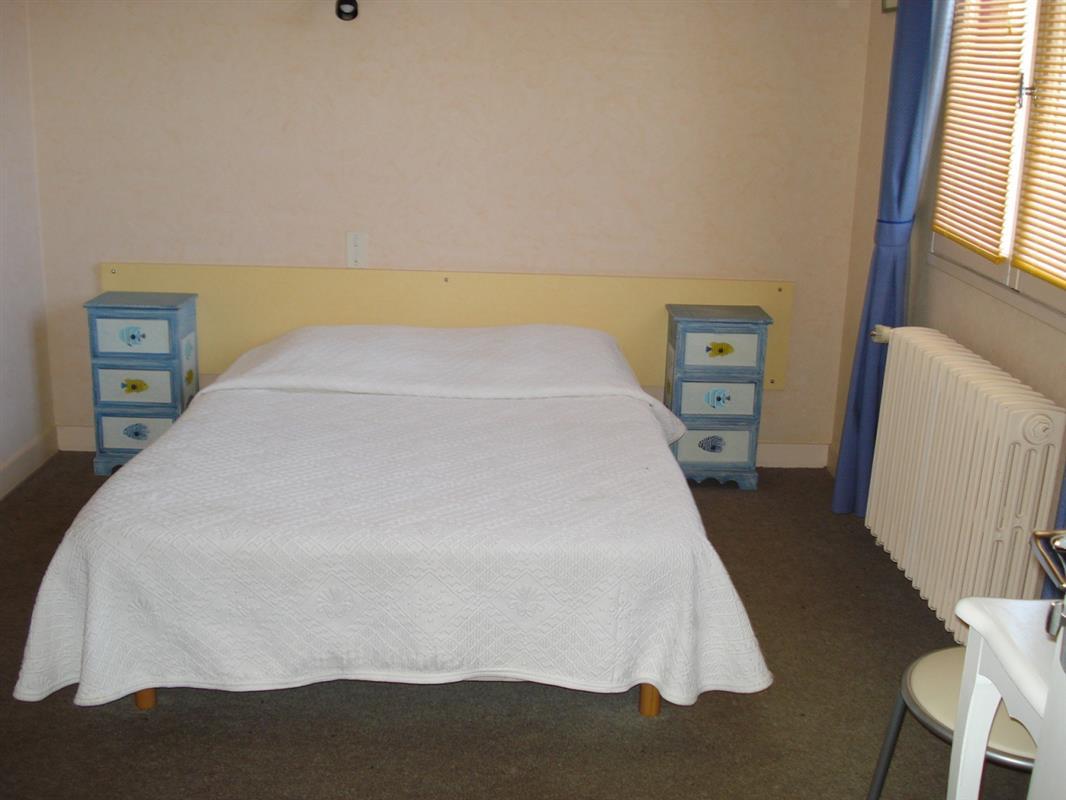 chambre double chambres d 39 h tes au domaine de la. Black Bedroom Furniture Sets. Home Design Ideas